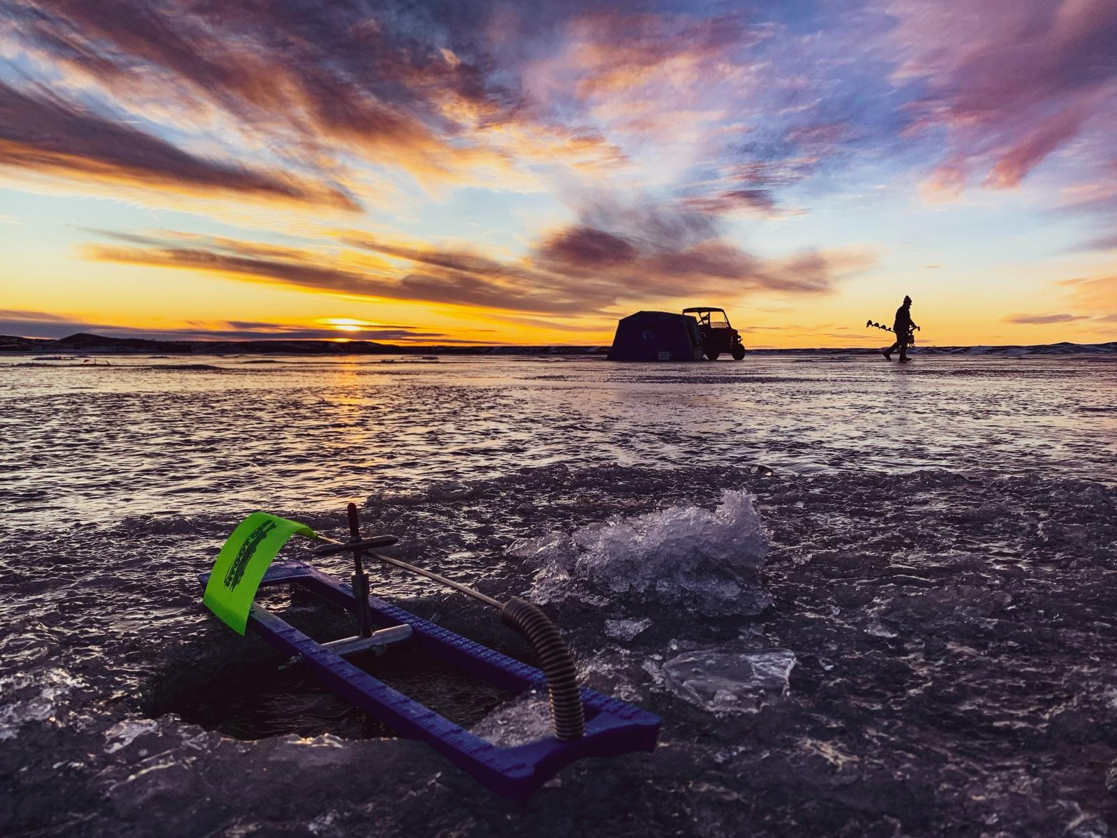 Tip Up Sunset on Oahe